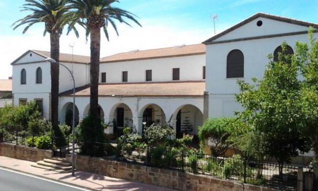 Trasladan a 21 mayores de Valencia de Alcántara a un albergue para evitar más contagios por coronavirus
