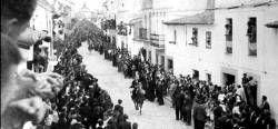 Martín Panadero Rubio publica un libro que recoge 1.088 imágenes de dos siglos de Arroyo de la Luz