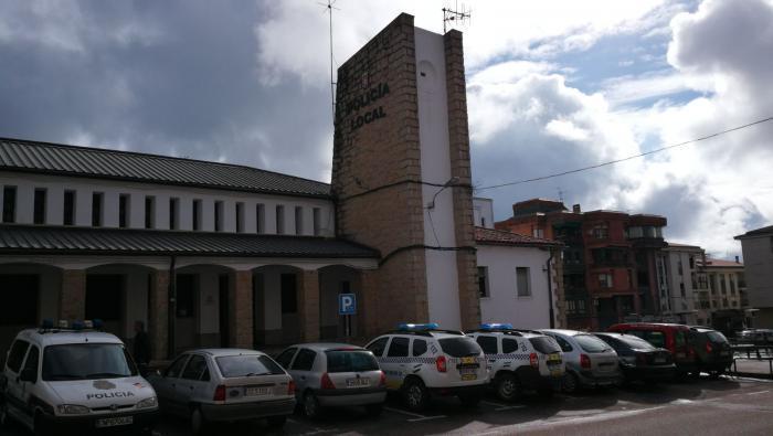 Policía Local y DGT realizarán controles de camiones y autobuses en Coria