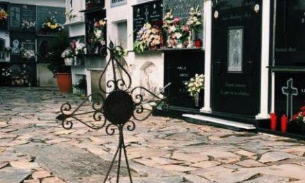 Así son los entierros del Covid-19: sin familia, sin misa, sin flores y con un dolor aún más profundo