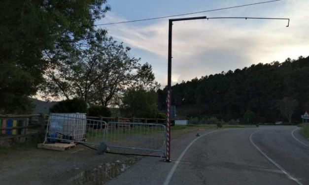 Los vehículos que entren o salgan de Gata pasarán bajo un arco desinfectante para frenar la expansión del Covid