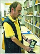 Correos implanta en cinco localidades de la comunidad un sistema de PDA para mejorar los envíos