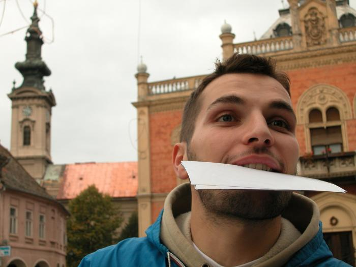 El Servicio Extremeño de Salud recomienda extremar la higiene de la boca por su riesgo para el coronavirus
