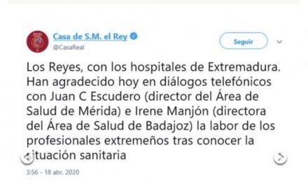 Los Reyes de España se interesan por la labor que ejercen los profesionales extremeños de la Sanidad