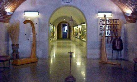 Exponen cien instrumentos musicales de todo el mundo en el Museo Etnográfico de la Ciudad de Plasencia