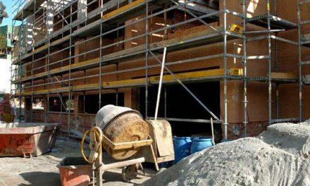 Seis obreros resultan heridos, uno de gravedad,  por una descarga eléctrica en Villar de Rena