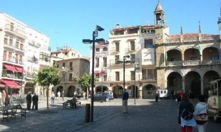 Los actos vandálicos retrasan la obra de la plazuela de San Martín de la ciudad cacereña de Plasencia.