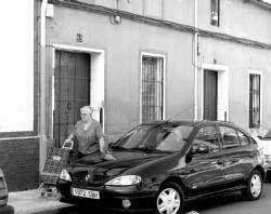 Unos vecinos encuentran muerto a un anciano de 83 años de Don Benito en el pasillo de su domicilio