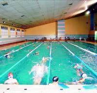 La piscina cubierta de Plasencia no abrirá en dos meses como mínimo por el deterioro del techo