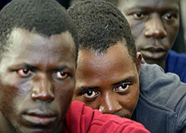 Cuatro centros de menores de Extremadura acogen a veinte inmigrantes más llegados de Canarias