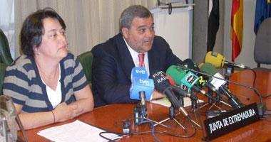 Ministerio y Junta apelan a la unión del sector vitivinícola para fijar unos precios justos para mantener los ingresos