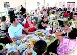 Los vecinos de cinco barrios distintos de Cáceres ponen fin a la temporada de fiestas vecinales con varios actos