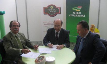 Los ganaderos del Queso de La Serena se beneficiarán de condiciones especiales en Caja Extremadura