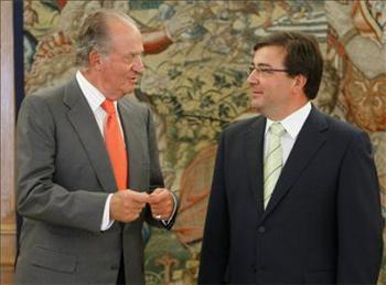 El presidente de la Junta invita a los Reyes de España a visitar Extremadura a lo largo del 2008