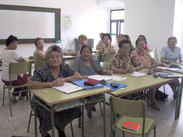El Centro de  Adultos de Valencia de Alcántara programa varias enseñanzas para el nuevo curso