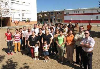 Vecinos del barrio Suerte de Saavedra de Badajoz impiden la obra del centro social para salvar `su´ parque