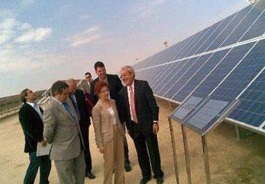 Inauguran cerca de Cáceres una planta solar que generará energía para abastecer 1.200 hogares