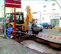 El barrio de San José en Almendralejo estuvo sin agua durante varias horas por la rotura de tuberías
