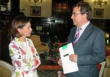 La ministra Espinosa aclara que el expediente del oleoducto del Grupo Balboa no ha llegado a su ministerio