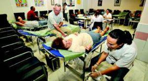 Una campaña pionera animará a pacientes transfundidos y sus familias a donar sangre en Badajoz