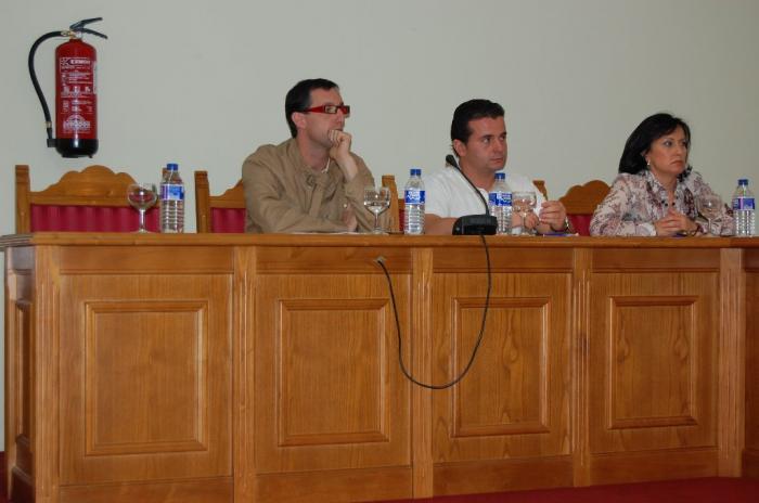 El edil independiente de Moraleja, González Cava, renuncia a su acta de concejal y abre una crisis de gobierno
