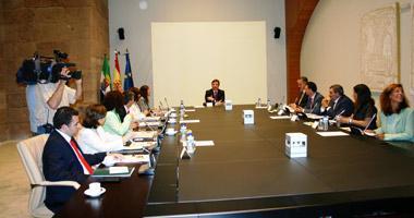 El Consejo de Gobierno de la Junta de Extremadura incentiva el desarrollo de la actividad investigadora