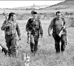 La temporada cinegética comienza para los 90.000 cazadores con licencia en Extremadura