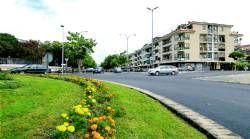 El Ayuntamiento de Plasencia inicia la mejora de la plaza del Ahorro y retoma la del bulevar de Cañada Real