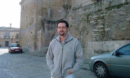 Las pagas a ediles aprobadas en pleno enfrentan al alcalde y a la oposición en el Ayuntamiento de Alcántara