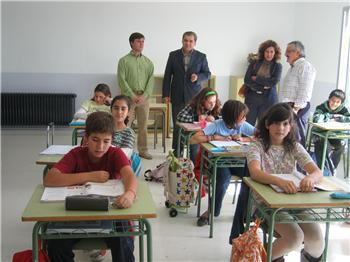 Eva María Pérez inaugura las obras de reforma del colegio público de Ahigal que cuenta con 95 alumnos
