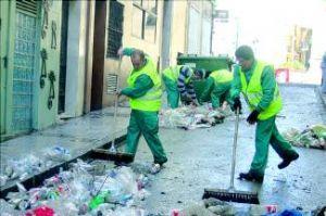 El Ayuntamiento de Badajoz prepara una limpieza a fondo de la ciudad antes de la privatización del servicio