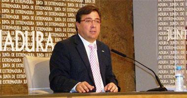 El Ejecutivo extremeño y seis entidades financieras cooperan para atajar los síntomas de la crisis