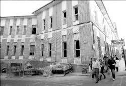 Padres y madres de los alumnos del colegio Ramón y Cajal en Plasencia exigen más seguridad por las obras