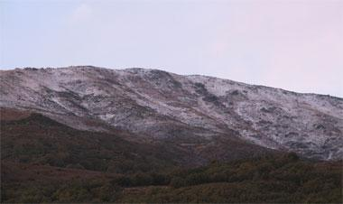 El descenso de las temperaturas deja los primeros copos de nieve en el norte de Cáceres