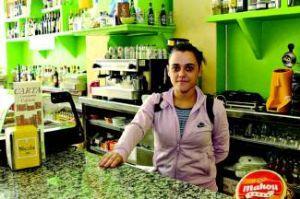 Estafa a la dueña de un bar en Badajoz tras hacerse pasar por inspector de Sanidad de la Junta de Extremadura