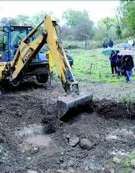 La excavación de fosas ordenada por el juez Baltasar Garzón se amplía a más zonas en Extremadura