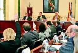 La diputación de Badajoz aprueba un plan para financiar obras y servicios  en los municipios de la provincia
