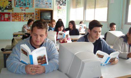 """El IES Jálama recibe un premio regional a la revista """"Lapicero"""" como una de las mejores publicaciones"""