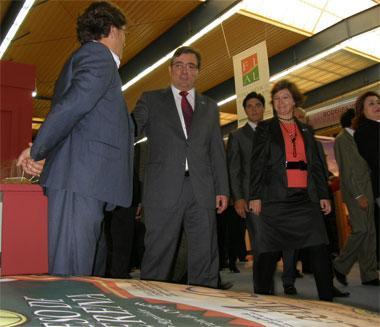Vara dice que hay que apostar por el sector agroalimentario porque es estratégico para España
