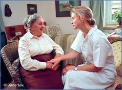 La Junta de Extremadura apuesta por un servicio de atención integral a los dependientes