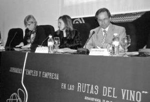 La Junta apuesta por la ruta del vino en Almendralejo como un incentivo para el sector empresarial