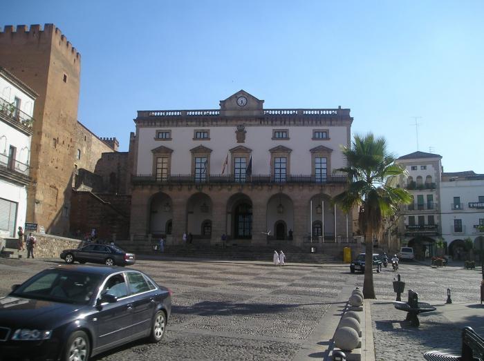 El Instituto Municipal de Asuntos Sociales ha concedido 673 ayudas por 340.000 euros en el primer trimestre