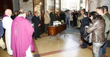 El funeral por la muerte de la madre del concejal Fernando Molina se ha celebrado hoy con númeroso público