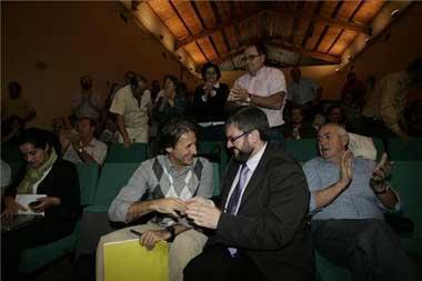 Pedro Escobar releva a Víctor Casco al frente de la dirección de Izquierda Unida en Extremadura