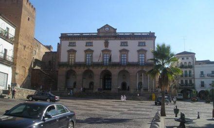 El equipo de gobierno de Cáceres presenta un nuevo PGM de consenso, al que Vela dará su voto