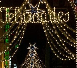 La iluminación especial de Navidad recortará su consumo de energía en la ciudad de Cáceres