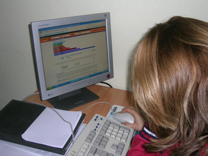 Los extremeños son los españoles que más usan la línea de ADSL para su conexión a internet