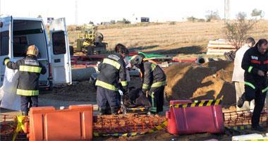 Encuentran en una carretera de Badajoz a un hombre de 62 años muerto en una zanja de 1,5 metros de profundidad