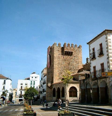 La operación Corte Inglés está pendiente de que se cedan 18.406 metros al Ayuntamiento de Cáceres