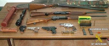Detenidas dos personas en Arroyo de San Serván con seis armas de fuego y con munición